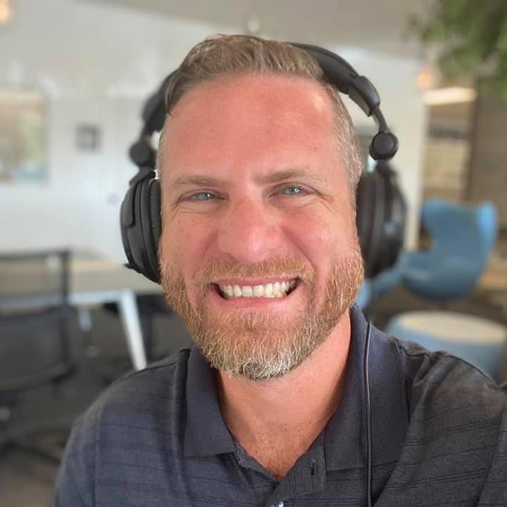 How Jeremy makes 6 figures a year selling online courses!